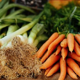 φυλλώδη λαχανικά εποχής